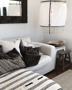 Dreamy #hanginglight #home #white #whiteaddiction Hanging Lights, Modern Interior, Ethnic, Design Inspiration, Interiors, Home Decor, Decoration Home, Room Decor, Modern Interiors