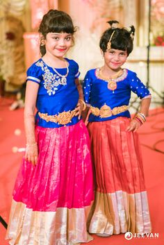 A Tirupur Wedding With All The Glitz & Glamour Small Girls Dress, Dresses Kids Girl, Kids Outfits, Flower Girl Dresses, Kids Dress Wear, Baby Dress, Kids Lehenga Choli, Kids Ethnic Wear, Kids Blouse Designs