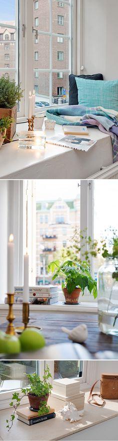 Ett av de svåraste ställena för att få till inredningen för mig är mina fönsterbrädor. Det tog lång tid och mycket klurande innan det känns rätt, varför vet jag inte riktigt. Om det är någon fler s...