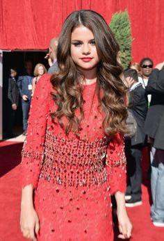 Selena Gomez beach wave hair<3