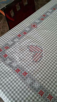Broderie Suisse, Chicken scratch, Swiss embroidery, Bordado espanol, Stof veranderen