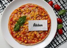 Z tých všetkých zdravších verzií je táto pizza top! Salty Foods, Chana Masala, Mozzarella, Clean Eating, Healthy Recipes, Healthy Food, Pizza, Soup, Meals