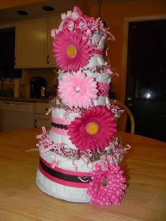 The PERFECT baby shower gift!!! I really enjoyed making this diaper cake!