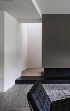 Sleek interior design | Barcelona chair Mies Van der Rohe...http://www.pinterest.com/valerielet/ambiance/