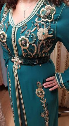 Kaftan Style, Caftan Dress, Moroccan Caftan, Mom Dress, Classy Dress, Traditional Outfits, Pretty Outfits, Clothes For Women, Womens Fashion