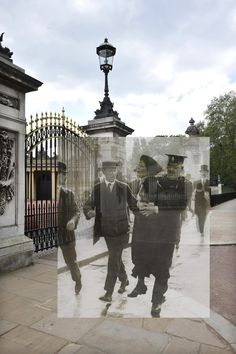 London Streetmuseum app: Not really a social medium but a brilliant example for digital storytelling. With the StreetMuseum iPhone app from the Museum of London you can look at historical views of the city while you walk through London. Interaktives Design, London History, Digital Storytelling, Past Present Future, Ares, London Museums, Gcse Art, London Photos, Old London