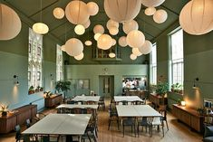 Refettorio Felix: A London Soup Kitchen Designed by Ilse Crawford (Remodelista: Sourcebook for the Considered Home) Best Interior Design, Home Interior, Kitchen Interior, Design Interiors, Lumiere Restaurant, Restaurant Design, Deco Boheme Chic, Turbulence Deco, Soup Kitchen