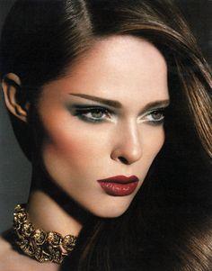 Coco Rocha - gorgeous make-up! Glamorous Makeup, Glam Makeup, Hair Makeup, Stunning Makeup, Eye Makeup, Dramatic Makeup, Amazing Makeup, Makeup Art, Beauty Makeup