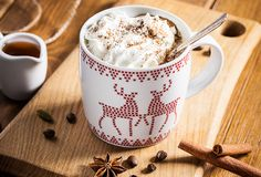 3 przepisy kawowe, które zachwycą Twoich gości na święta - Radość odkrywania blog I Love Coffee, Hot Coffee, Coffee Candy, Coffee Ice Cream, Christmas Table Settings, Coffee Recipes, Smoothies, Food And Drink, Sweets