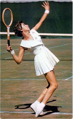 Maria Esther Bueno: famosa pela elegância do estilo de jogo e pela potência do serviço, é a maior tenista brasileira de todos os tempos.