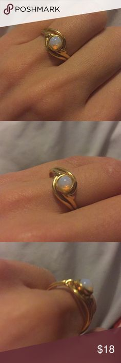 Opal like ring Around a 5.5 size I think? Jewelry Rings