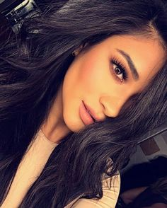 Shay Mitchell is a Canadian actress, model . Pretty Litle Liars, Pretty Little, Beauty Makeup, Hair Makeup, Hair Beauty, Emily Fields, Foto Pose, Woman Crush, Photo Tips