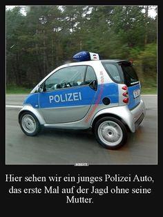 Hier sehen wir ein junges Polizei Auto..