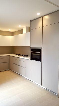 Kitchen Room Design, Home Room Design, Kitchen Cabinet Design, Interior Design Kitchen, Modern Kitchen Cabinets, Modern Kitchen Interiors, Contemporary Kitchen Design, Kitchen Lighting Layout, Small Bedroom Interior