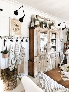 Get inspired by Cottage/Country Dining Room Design photo by Joss [AMP] Main. Wayfair lets you find the designer products in the photo and get ideas from thousands of other Cottage/Country Dining Room Design photos.