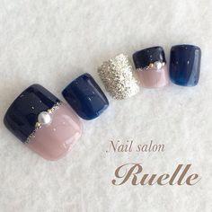 Blue and gold nails Pretty Toe Nails, Cute Toe Nails, Toe Nail Art, Blush Pink Nails, Navy Nails, Feet Nail Design, Toe Nail Designs, Chic Nails, Trendy Nails