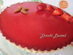 "Erruki Laurel: Tarta ""Bavaroise"" de fresas sobre lecho de limón"
