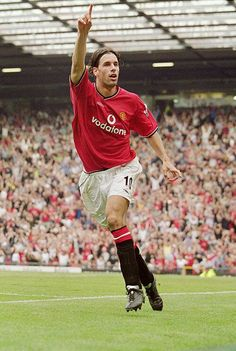 Ruud van Nistelrooy of Man Utd in Manchester United Old Trafford, Manchester United Players, Manchester Football, Man Utd Squad, Ruud Van Nistelrooy, Real Madrid, Newcastle United Fc, Legends Football, Premier League Champions