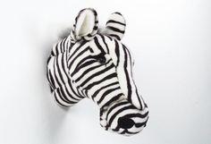 Op zoek naar een Zebra Kop? Bij Saartje Prum vind je de leukste Voor aan de Muur voor de kinderkamer.