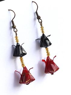 https://www.etsy.com/listing/214346578/black-and-red-double-tulip-origami?ref=shop_home_active_10