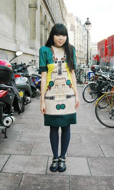 Susie Bubble wearing SS09