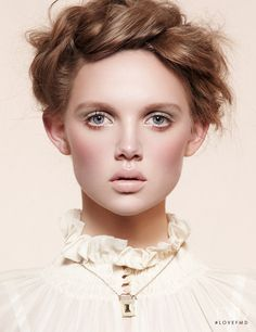 Photo of model Holly Rose Emery