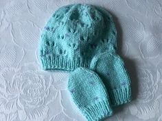 Hand Knitted Babies Pale Turquoise Wool  Beanie Hat and Mittens 0 - 3 mths