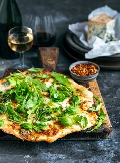 I love dinners that can be thrown together in just a few minutes, and these pizzasfit the bill perfectly -prepared in lesstimethan it takes to order takeaways. Four Cheese Pizza, New Zealand Food, Buffalo Mozzarella, Artisan Food, Meals For The Week, Vegetable Pizza, New Recipes, A Food, Delish