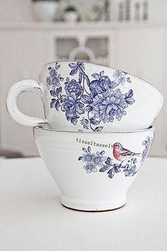 Pretty teacups,,,,Mañana  cafe **+