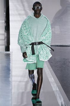 #NYFW is in full force and we are living for it. Featuring GypsySport and other indie brands! #laminouscomp http://robertogaxiola.tumblr.com/post/147383296477/nyfw-is-in-full-force-but-none-of-the-major
