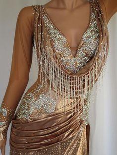 Latin Ballroom Dresses, Latin Dresses, Ballroom Dancing, Beautiful Dresses, Nice Dresses, Belly Dance Costumes, Luxury Dress, Samba, Dance Outfits