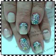 Unha delicada de Arte & unhas KM. Sensitive nail. Uña sensible. Unghie sensibili.