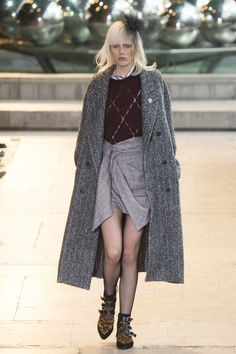 Isabel Marant Fall 2016 Ready-to-Wear Fashion Show - Marjan Jonkman