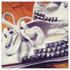 I love converse shoes and adding studs on this white sneaker shoes make me love this pair even more!