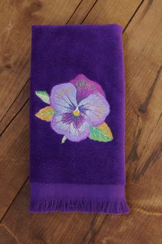 Embroidered Towels, Pansy Embroidered Hand Towel or Fingertip Towel, Towels for Bathroom, Spring Tow Guest Towels, Hand Towels, Color Violeta, Botanical Decor, Fingertip Towels, Embroidered Towels, Flower Artwork, Purple Love, Dobby