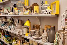 Grey & yellow - a perfect match.