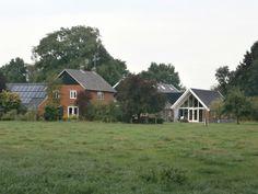 De Greute aan de Barloseweg. Boerderijbouw uit 19e, 20e en 21e eeuw.  (18.8.2015)