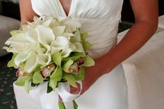Modern Green White Bouquet Wedding Flowers Photos & Pictures - WeddingWire.com