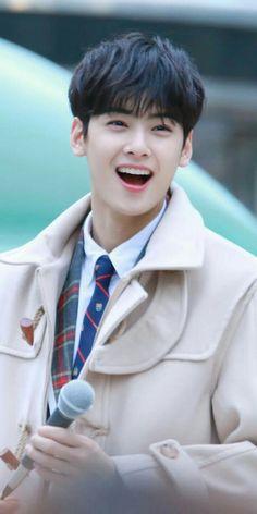Chaeunwoo from astro Korean Celebrities, Korean Actors, Park Jin Woo, F4 Boys Over Flowers, Cha Eunwoo Astro, Lee Dong Min, Astro Fandom Name, Park Hyung Sik, Idole
