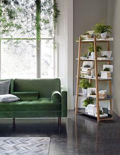 38 Green Velvet Sofa Design Ideas to Makeover Your Living Room - Possible Decor Home Living Room, Living Room Decor, Living Spaces, Small Living, Modern Living, Sofa Design, Green Velvet Sofa, Velvet Armchair, Decoration Inspiration