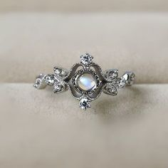 Inexpensive Classic Vintage Art Deco Silver Blue Moonstone Cocktail Ring