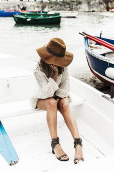 Open Back Knitwear We are Knitters Levis Shorts Isabel Marant Sandals Outfit Hat Italy Road Trip San Vito