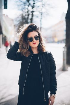Women Sunglasses Shades For Girls Shades For Women Cheap Designer Glas – ooshoop Cute Girl Poses, Girl Photo Poses, Medium Hair Styles, Short Hair Styles, Shades For Women, Photography Poses Women, Beautiful Girl Photo, Most Beautiful Images, Stylish Girl Pic
