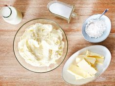 Tortencreme & 5 einfache Rezepte Frischkäse Frosting The post Tortencreme & 5 einfache Rezepte appeared first on Home decor. Sturdy Whipped Cream Frosting, Whipped Cream Desserts, Homemade Whipped Cream, Homemade Pie, Banana Carrot Bread, Vegan Carrot Cakes, Chocolate Cream Cheese, Chocolate Flavors, Icing Recipe