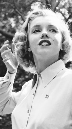 Marilyn Monroe 1950 LIFE MAGAZINE Article. Not all pics were used, Up & Coming Actresses.