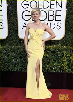 Reese Witherspoon's Golden Globes Look is All About the 'Details'
