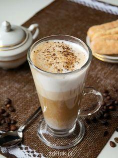 Latte z mlekiem kokosowym i przyprawami korzennymi Latte, Coffee Time, Pudding, Tableware, Diet, Dinnerware, Custard Pudding, Dishes, Coffee Break