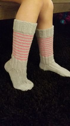 Me Naiset – Blogit | Sukkasillaan – Siniset sukat Leg Warmers, Fashion, Gloves, Patterns, Leg Warmers Outfit, Moda, Fashion Styles, Fashion Illustrations