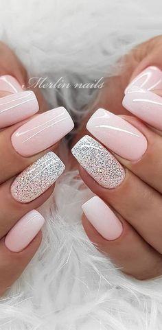 If you're not a fan of tacky Spring Nails or if you love unusual nail art design but you're somehow busy or lazy to do an hour manicure treatment, here's a solution! These stunning minimalist nails will assure you that less is more. Simple Acrylic Nails, Best Acrylic Nails, Pastel Nails, Simple Nails, Pink Nails, Black Nails, Sparkly Nail Designs, Sparkly Nails, Acrylic Nail Designs