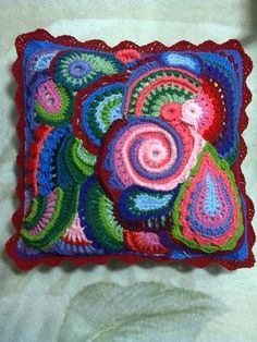Knit Pillow, Knitted Pillows, Throw Pillows, Crotchet Patterns, Freeform Crochet, Crochet Crafts, Projects To Try, Coin Purse, Blanket